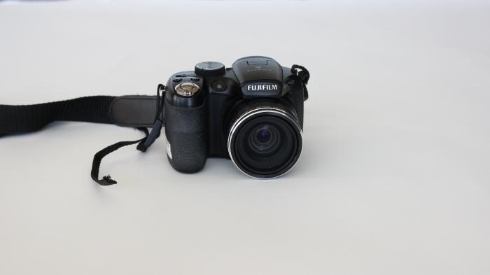 fuji fine pix s1800 camera