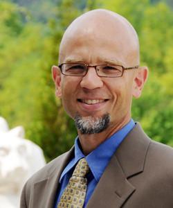 Dr. Doug Hochstetler headshot