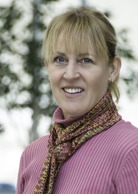 Dr. Mary Hutchinson headshot